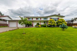 "Photo 2: 45907 LAKE Drive in Chilliwack: Sardis East Vedder Rd House for sale in ""SARDIS PARK"" (Sardis)  : MLS®# R2483921"