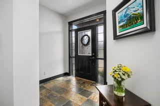 Photo 2: 419 26 Avenue NW in Calgary: Mount Pleasant Semi Detached for sale : MLS®# A1100742
