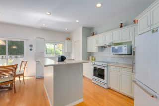 """Photo 9: 11 1881 144 Street in Surrey: Sunnyside Park Surrey Townhouse for sale in """"Brambley Hedge"""" (South Surrey White Rock)  : MLS®# R2480598"""