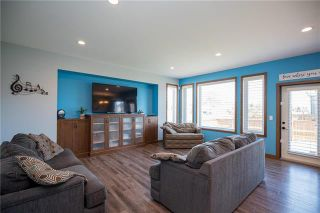 Photo 2: 11 Lowe Crescent: Oakbank Residential for sale (R04)  : MLS®# 1919246