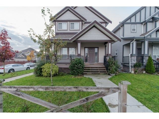 Main Photo: 6953 192 st in Cloverdale: Home for sale