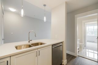 """Photo 9: 4410 2180 KELLY Avenue in Port Coquitlam: Central Pt Coquitlam Condo for sale in """"Montrose Square"""" : MLS®# R2614881"""