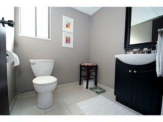 "Photo 12: 5548 1ST Avenue in Tsawwassen: Pebble Hill House for sale in ""PEBBLE HILL"" : MLS®# V1056796"