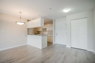 "Photo 6: 209 33960 OLD YALE Road in Abbotsford: Central Abbotsford Condo for sale in ""OLD YALE HEIGHTS"" : MLS®# R2480632"