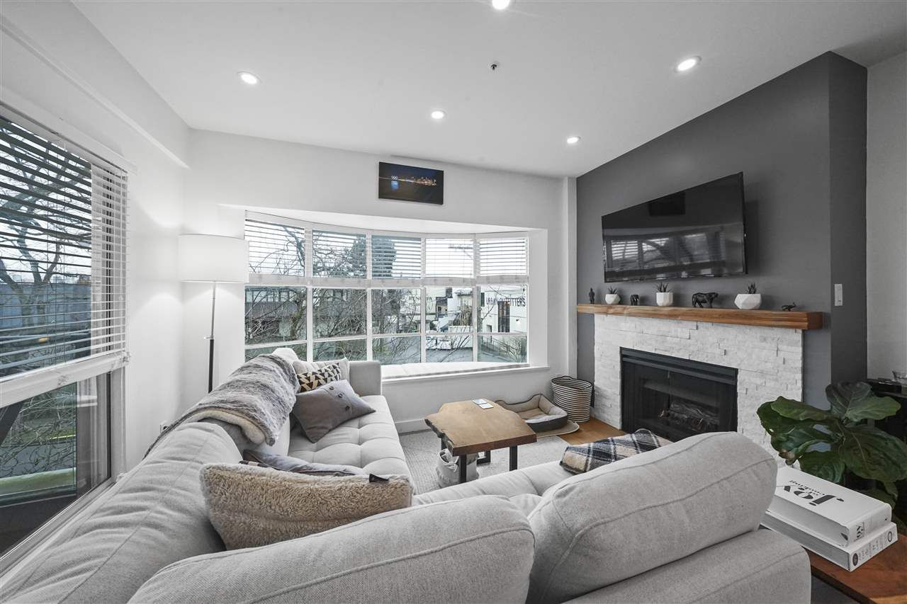 """Main Photo: 306 2216 W 3RD Avenue in Vancouver: Kitsilano Condo for sale in """"Radcliffe Point"""" (Vancouver West)  : MLS®# R2554629"""