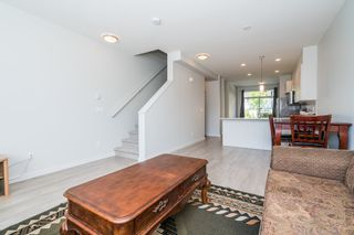 """Photo 8: 100 14555 68 Avenue in Surrey: East Newton Townhouse for sale in """"SYNC"""" : MLS®# R2169561"""