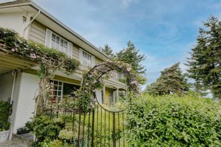 Photo 3: 1883 HILLCREST Ave in : SE Gordon Head House for sale (Saanich East)  : MLS®# 887214