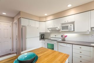 """Photo 6: 1585 BOWSER Avenue in North Vancouver: Norgate Townhouse for sale in """"Illahee"""" : MLS®# R2465696"""