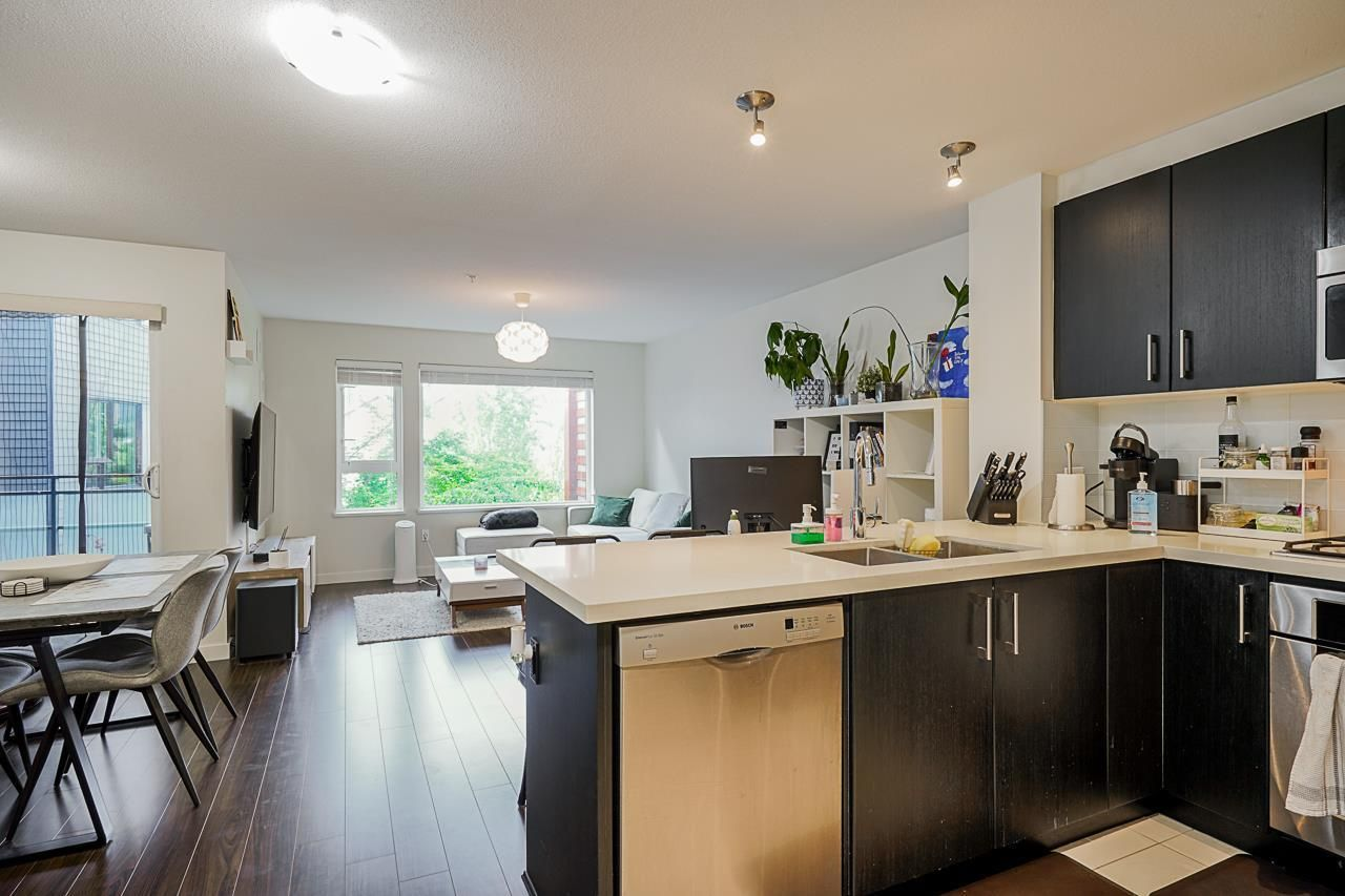 """Main Photo: 320 3163 RIVERWALK Avenue in Vancouver: South Marine Condo for sale in """"New Water"""" (Vancouver East)  : MLS®# R2584543"""