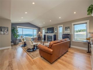 """Photo 8: 5557 PEREGRINE Crescent in Sechelt: Sechelt District House for sale in """"SilverStone Heights"""" (Sunshine Coast)  : MLS®# R2492023"""