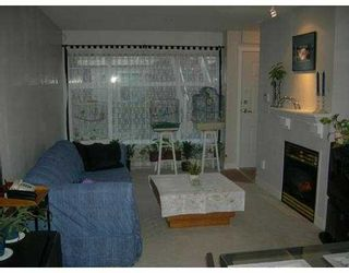 """Photo 2: 106 7038 21ST Avenue in Burnaby: Middlegate BS Townhouse for sale in """"THE ASHBURY"""" (Burnaby South)  : MLS®# V631772"""