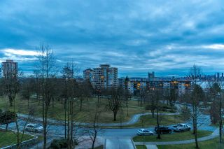 """Photo 19: 402 160 W KEITH Road in North Vancouver: Central Lonsdale Condo for sale in """"Victoria Park West"""" : MLS®# R2069729"""