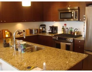 "Photo 3: # 905 7360 ELMBRIDGE WY in Richmond: Brighouse Condo for sale in ""FLO"""
