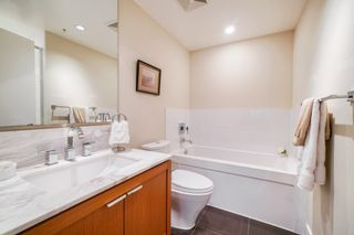 "Photo 14: 702 158 W 13TH Street in North Vancouver: Central Lonsdale Condo for sale in ""Vista Place"" : MLS®# R2342022"