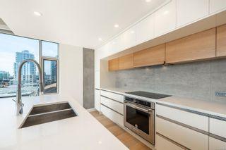 Photo 10: 602 989 Johnson St in Victoria: Vi Downtown Condo for sale : MLS®# 875765