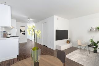"""Photo 5: 207 370 CARRALL Street in Vancouver: Downtown VE Condo for sale in """"21 Doors"""" (Vancouver East)  : MLS®# R2625412"""