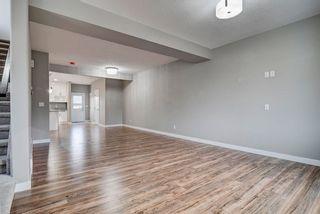 Photo 2: 10359 149 Street in Edmonton: Zone 21 House Half Duplex for sale : MLS®# E4246600