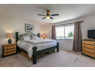 """Photo 12: 6495 180 Street in Surrey: Cloverdale BC House for sale in """"Orchard Ridge"""" (Cloverdale)  : MLS®# R2396953"""