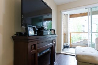 """Photo 9: 209 1969 WESTMINSTER Avenue in Port Coquitlam: Glenwood PQ Condo for sale in """"THE SAPHIRE"""" : MLS®# R2118876"""