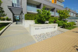 """Photo 2: 701 9025 HIGHLAND Court in Burnaby: Simon Fraser Univer. Condo for sale in """"HIGHLAND HOUSE"""" (Burnaby North)  : MLS®# R2066421"""