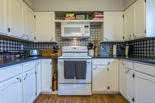 Photo 2: 1604 Dogwood Ave in Comox: CV Comox (Town of) House for sale (Comox Valley)  : MLS®# 868745
