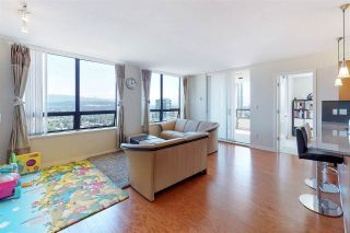 Photo 2: 2201 4333 CENTRAL Boulevard in Burnaby: Metrotown Condo for sale (Burnaby South)  : MLS®# R2382864