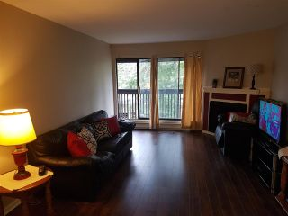 """Photo 2: 412 9682 134 Street in Surrey: Whalley Condo for sale in """"parkwoods"""" (North Surrey)  : MLS®# R2243361"""