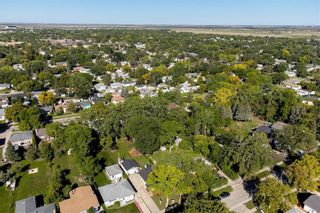 Photo 27: 858 Vimy Road in Winnipeg: Crestview Residential for sale (5H)  : MLS®# 202122118
