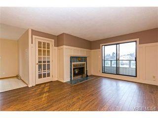 Photo 2: 205 949 Cloverdale Ave in VICTORIA: SE Quadra Condo for sale (Saanich East)  : MLS®# 658759