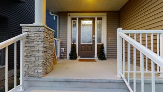 Photo 2: 3205 WINSPEAR Crescent in Edmonton: Zone 53 House for sale : MLS®# E4231940
