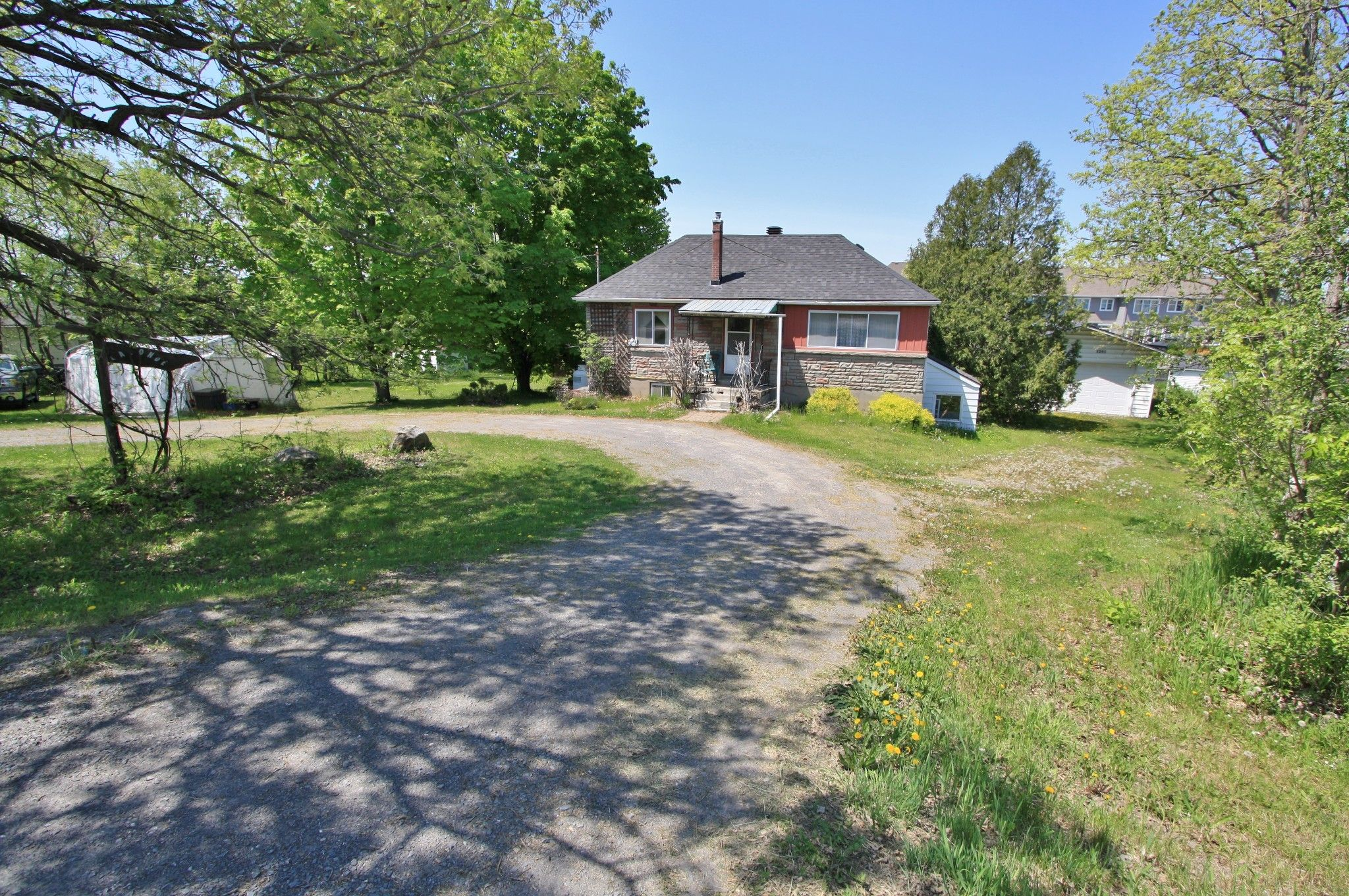 Main Photo: 1241 Old Montreal Road in Ottawa: House for sale (Camelot)