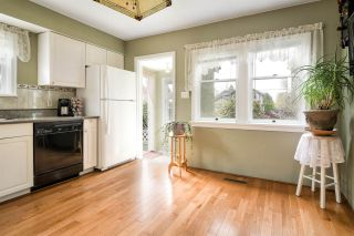 "Photo 11: 13809 BERG Road in Surrey: Bolivar Heights House for sale in ""Bolivar Heights"" (North Surrey)  : MLS®# R2259747"