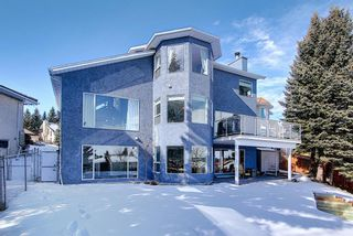 Photo 2: 19 Signal Hill Mews SW in Calgary: Signal Hill Detached for sale : MLS®# A1072683