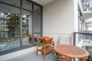 """Photo 5: 202 135 W 2ND Street in North Vancouver: Lower Lonsdale Condo for sale in """"CAPSTONE"""" : MLS®# R2547001"""