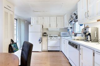"""Photo 16: 19 3295 SUNNYSIDE Road: Anmore Manufactured Home for sale in """"COUNTRYSIDE VILLAGE"""" (Port Moody)  : MLS®# R2518632"""