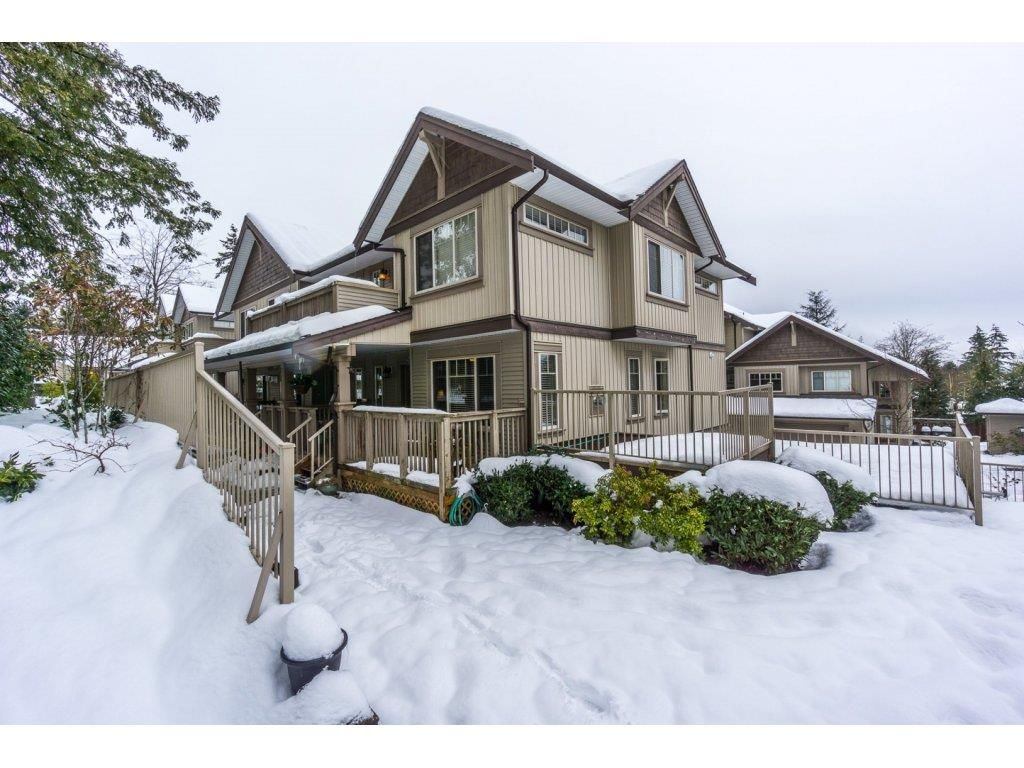 Main Photo: 29 6238 192 STREET in Surrey: Cloverdale BC Townhouse for sale (Cloverdale)  : MLS®# R2137639
