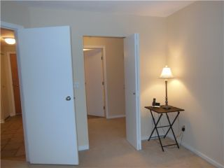 """Photo 7: 112 1111 LYNN VALLEY Road in North Vancouver: Lynn Valley Condo for sale in """"THE DAKOTA"""" : MLS®# V980759"""
