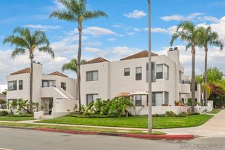 Photo 1: CROWN POINT Condo for sale : 2 bedrooms : 3984 Lamont St #8 in San Diego