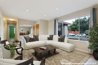 Photo 4: RANCHO PENASQUITOS House for sale : 4 bedrooms : 11269 Linares in San Diego