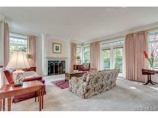 Photo 3: 1615 York Pl in VICTORIA: OB North Oak Bay House for sale (Oak Bay)  : MLS®# 707996