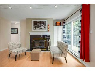 """Photo 2: 307 620 BLACKFORD Street in New Westminster: Uptown NW Condo for sale in """"DEERWOOD COURT"""" : MLS®# V1055259"""