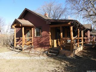 Photo 1: 102 Main Street in Laird: Residential for sale : MLS®# SK850528