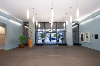 """Photo 18: 404 124 W 1ST Street in North Vancouver: Lower Lonsdale Condo for sale in """"The """"Q"""""""" : MLS®# R2430704"""