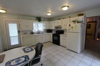 Photo 9: 7388 Estate Drive in Anglemont: North Shuswap House for sale (Shuswap)  : MLS®# 10204246
