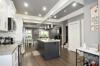 """Photo 3: 10 19095 MITCHELL Road in Pitt Meadows: Central Meadows Townhouse for sale in """"BROGDEN BROWN"""" : MLS®# R2367629"""