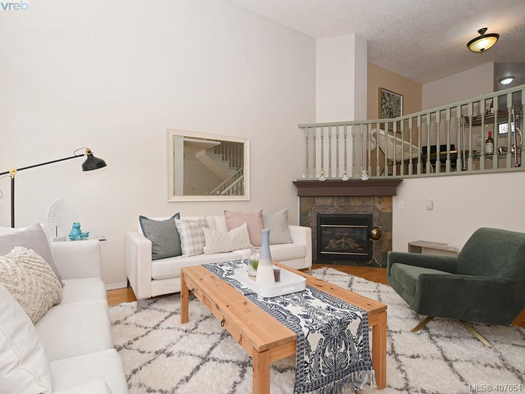Main Photo: 3020 Washington Ave in VICTORIA: Vi Burnside Row/Townhouse for sale (Victoria)  : MLS®# 810102