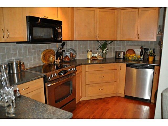 Photo 7: Photos: 1 15989 Marine Drive in : White Rock Condo for sale (South Surrey White Rock)  : MLS®# F1412892
