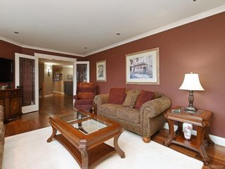 Photo 7: 1279 Geric Pl in : SW Strawberry Vale House for sale (Saanich West)  : MLS®# 850780