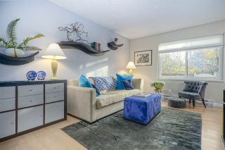 """Photo 2: 3490 NAIRN Avenue in Vancouver: Champlain Heights Townhouse for sale in """"COUNTRY LANE"""" (Vancouver East)  : MLS®# R2419271"""