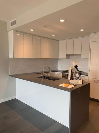 """Photo 3: 407 5687 GRAY Avenue in Vancouver: University VW Condo for sale in """"ETON"""" (Vancouver West)  : MLS®# R2507786"""